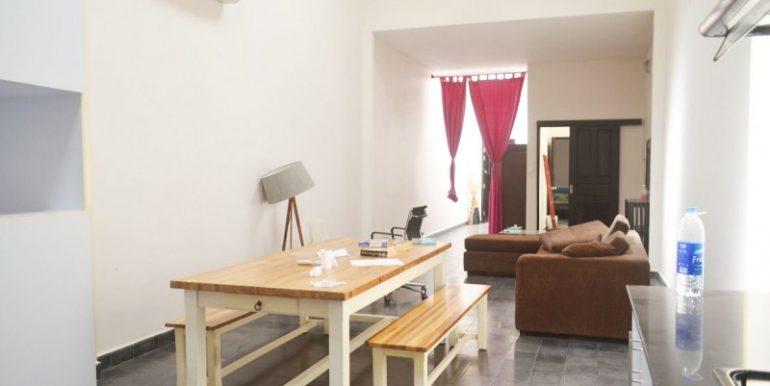 2-bedrooms-apartment-for-sale-in-Daun-penh-2-770x386