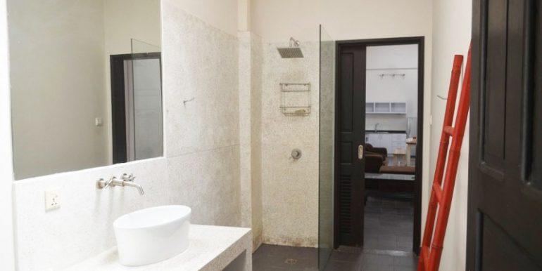 2-bedrooms-apartment-for-sale-in-Daun-penh-3-770x386