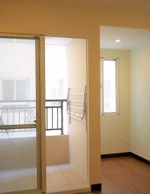 14.bedroom and belcony