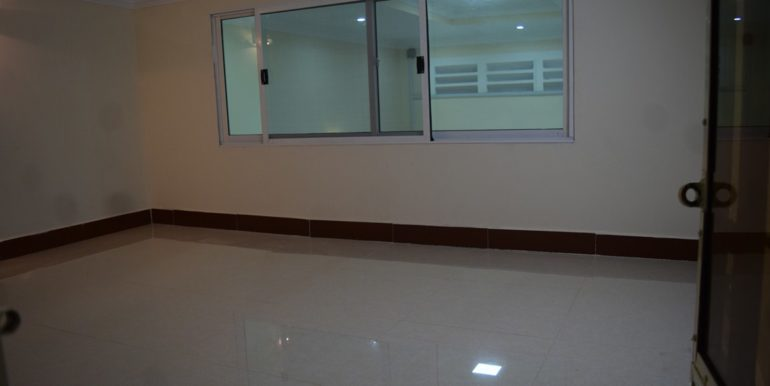 House-for-sale-in-Tonle-Basac-5-770x386