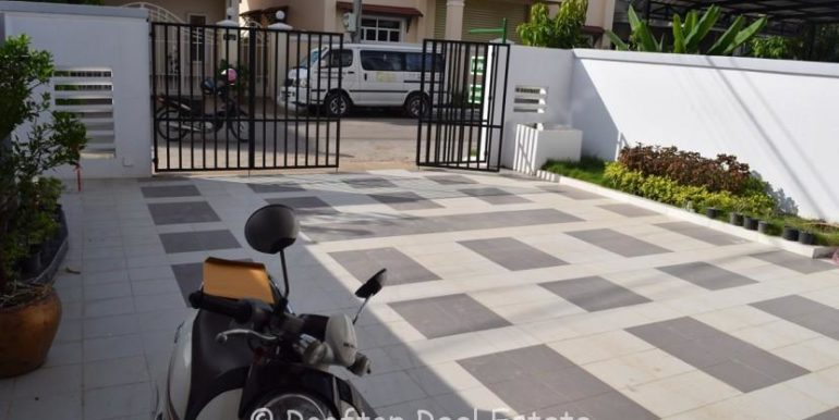 Villa-for-sale-in-Toul-Sangkae-2-830x460