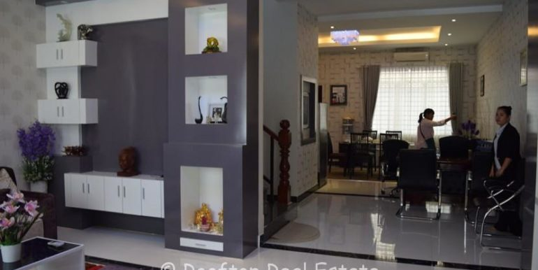 Villa-for-sale-in-Toul-Sangkae-5-830x460