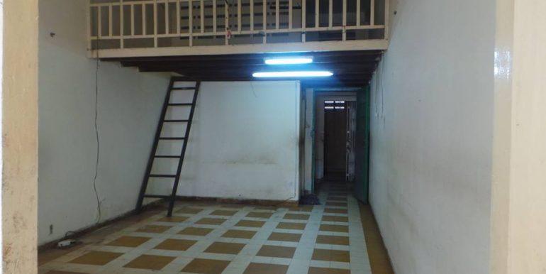 old-apartment-for-sale-at-Daun-penh-2-770x386