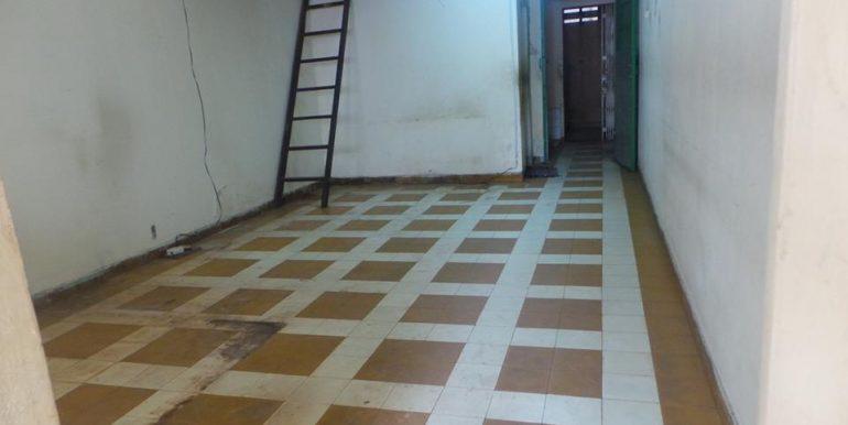 old-apartment-for-sale-at-Daun-penh-4-770x386