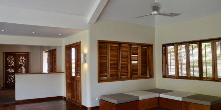 Luxury-beautiful-villa-in-Siem-Reap-for-sale-1-770x386