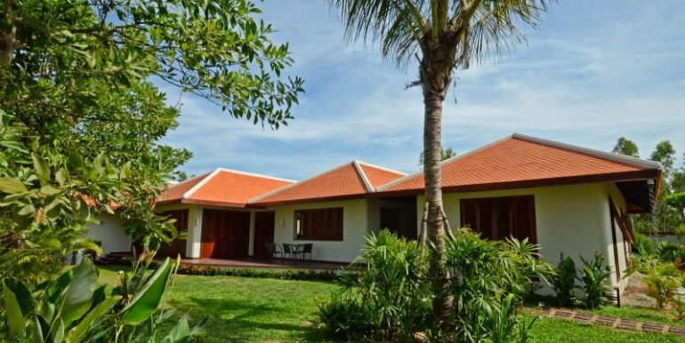Luxury-beautiful-villa-in-Siem-Reap-for-sale-4-770x386