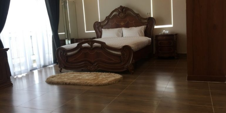 Brand new service apartment for rent in BKK3 area 11