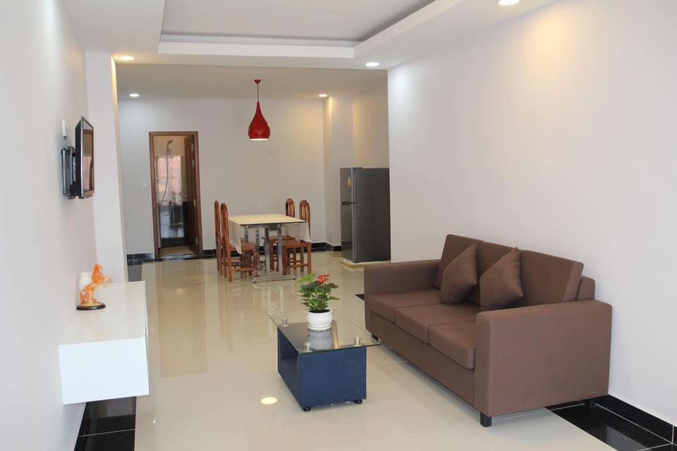 English 2 bedroom apartment for rent in boeung trebek for Four bedroom apartments
