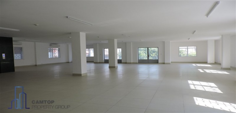 Office space for rent in Daun Penh closed to Independent Monument